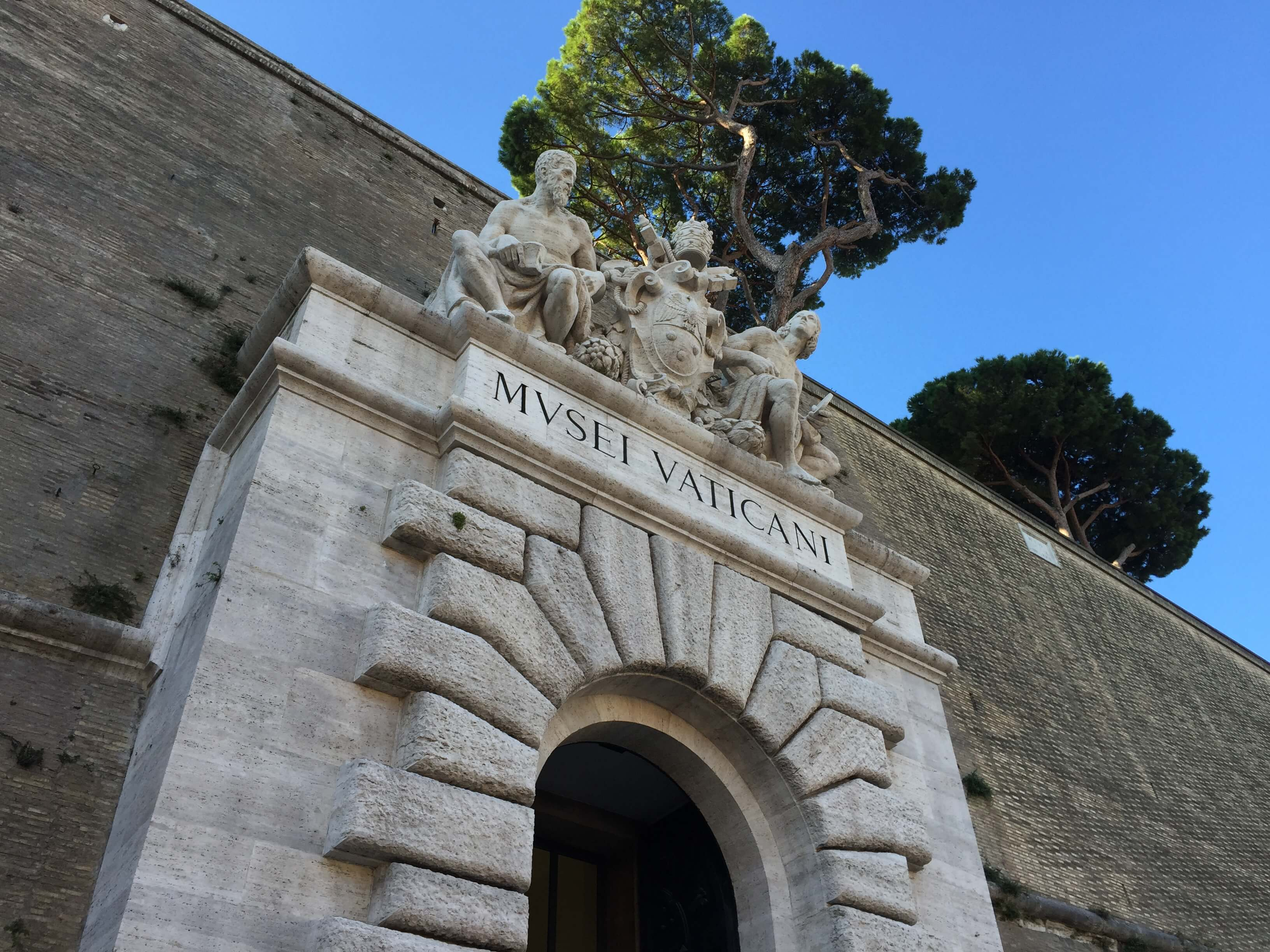 Exploring Italy Vatican Museum With Maranatha Tours